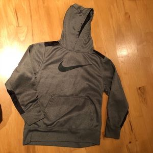 Gray youth boys Nike hoodie Medium